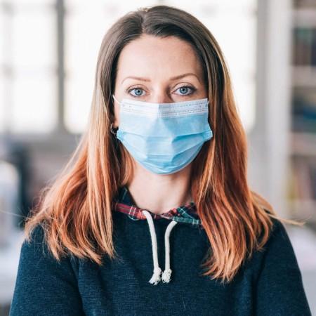 Alle arbeidsplasser skal ha medisinsk munnbind tilgjengelig
