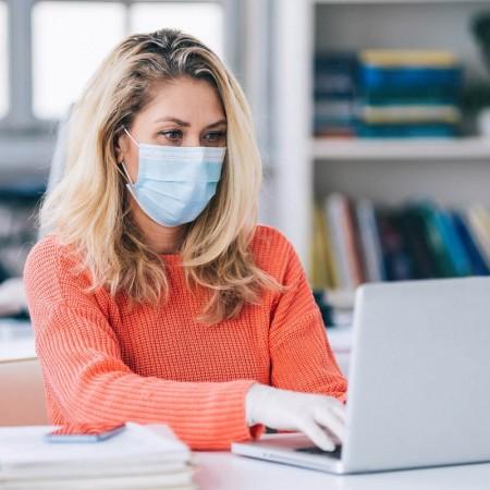 Godkjente munnbind kan redusere smitterisikoen på kontoret